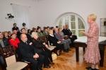 Pani Barbara Oratowska podczas wygłaszania prelekcji