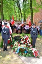 Uroczystość odsłonięcia pomnika pamięci pięciu lotków z Ziemi Garbowskiej